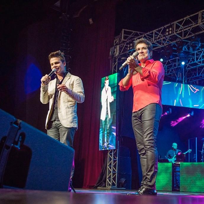 No ano passado, Daniel convidou Dyba para cantar novamente no show em Curitiba (Foto: Arquivo pessoal)