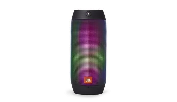 Caixa de som portátil Pulse 2, da JBL, muda de cor conforme música (Foto: Divulgação/JBL)