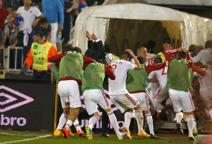 Jogadores da Albânia (Foto: Agência Reuters)