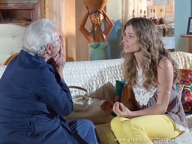 Ester conta oo pai tudo o que viu (Foto: Flor do Caribe / TV Globo)