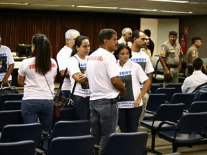 Familiares do estudante dizem esperar por Justiça há seis anos. (Foto: Jonathan Lins/G1)