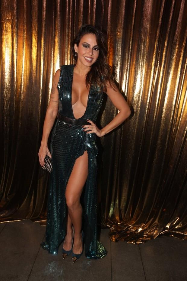 Alinne Rosa em baile da gala da Vogue em São Paulo (Foto: Leo Franco e Thiago Duran/ Ag. News)