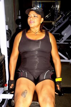 Dona de casa Francisca vira professora em academia após perder peso (Foto: Monica Santos)