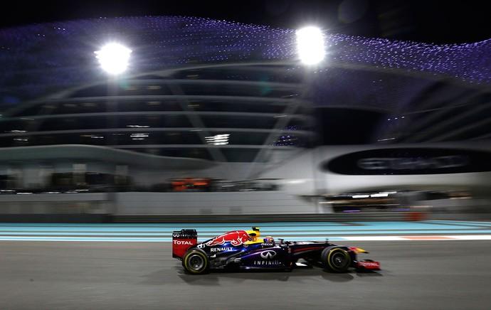 Mark Webber RBR gp de Abu Dhabi (Foto: Agência AP)