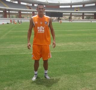 Lucas Gomes, meia do Fluminense (Foto: Gustavo Pêna)