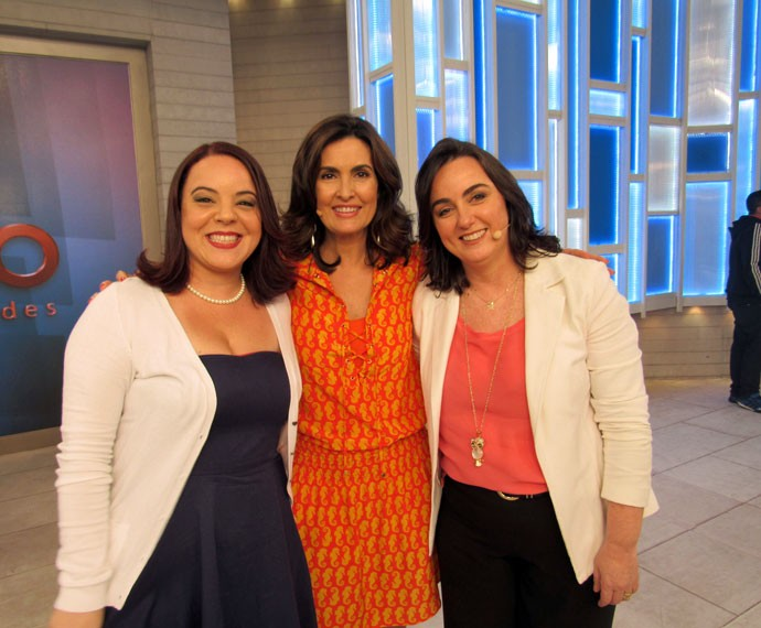 A apresentadora com convidadas  (Foto: Viviane Figueiredo Neto/Gshow)