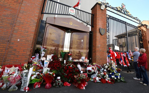 tributo à Tragédia de Hillsborough (Foto: AFP)