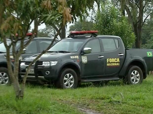 Força Nacional na fronteira em MS (Foto: Reprodução/TV Morena)