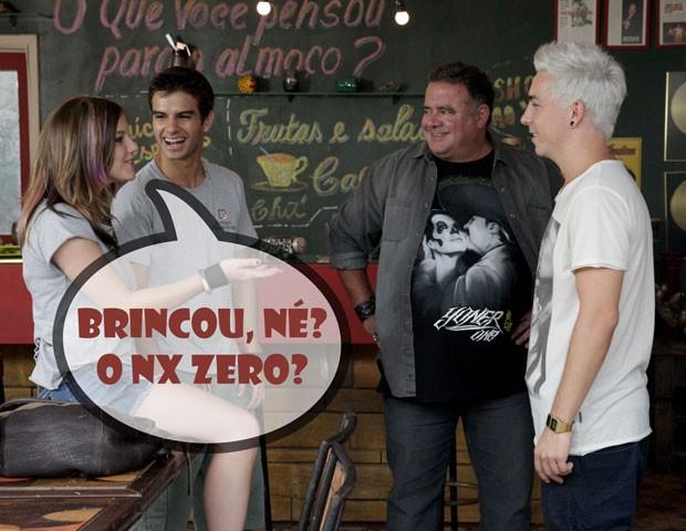 Lia não acredita que vai rolar NX Zero no Quadrante (Foto: Malhação / TV Globo)