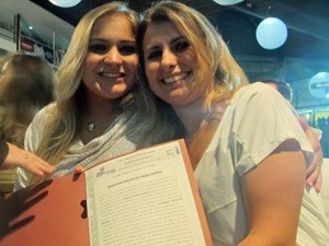 Kathrein e Priscila foram as primeiras a oficializar a relação de dois anos em cerimônia no CTN (Foto: Marcelo Mora/G1)