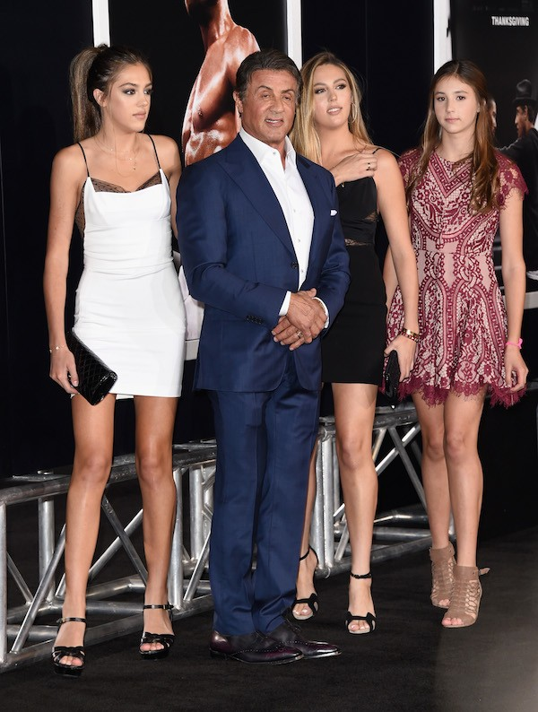 O ator Sylvester Stallone com suas três filhas (Foto: Getty Images)
