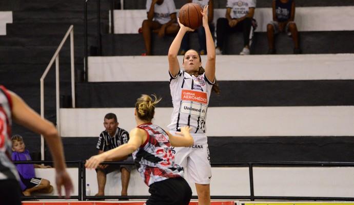 Izabela Sangalli jogadora do Corinthians/Americana  (Foto: Divulgação/Corinthians/Americana )