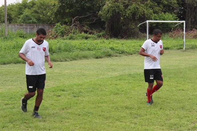 Laércio e Wildinho, Fla-PI (Foto: Antônio Fontes /GloboEsporte.com)