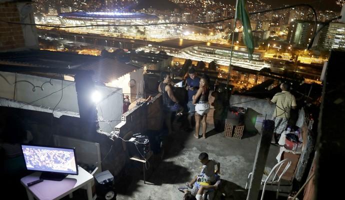 Público laje, abertura Olimpíada, Maracanã (Foto: REUTERS/Ricardo Moraes)