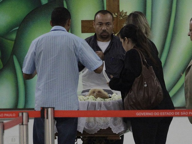 Corpo de Hebe Camargo é velado no Palácio dos Bandeirantes (Foto: Nelson Antoine/Fotoarena/Folhapress)