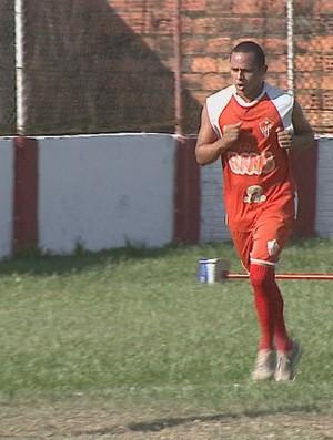Testinha, meio-campo do Rio Branco (Foto: Reprodução/TV Acre)