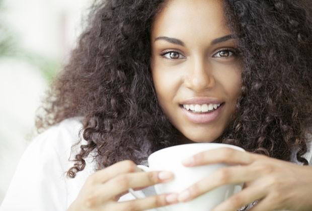 A cafeína encontrada no café e no chá verde colabora para a queima de calorias (Foto: Divulgação)