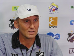 Gilmar Dal Pozzo - técnico do ABC (Foto: Carlos Cruz/GloboEsporte.com)