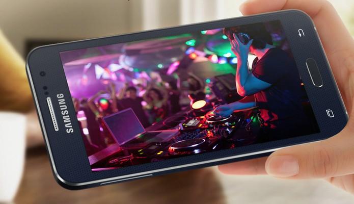 Galaxy A3 oferece uma tela de 4,5 polegadas (Foto: Divulgação/Samsung)