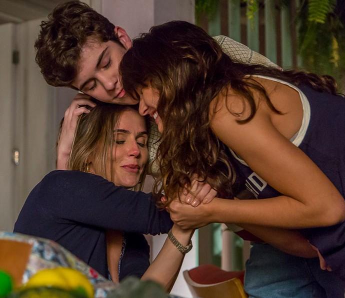 Bárbara Maia e Caio Manhente serão filhos de Deborah em 'Pro Dia Nascer Feliz' (Foto: Artur Meninea/Gshow)