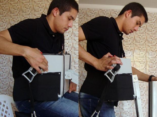Walef simula como cadeira seria usada por um deficiente físico (Foto: Daniela Ayres)