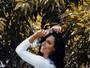 Sue Lasmar posa sensual e comenta repercussão de jornal chileno