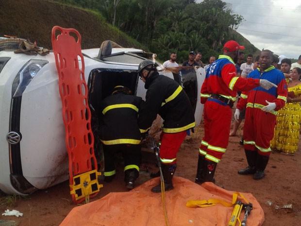 Acidente na BA-535 (Via Parafuso) (Foto: Divulgação/Via Bahia)