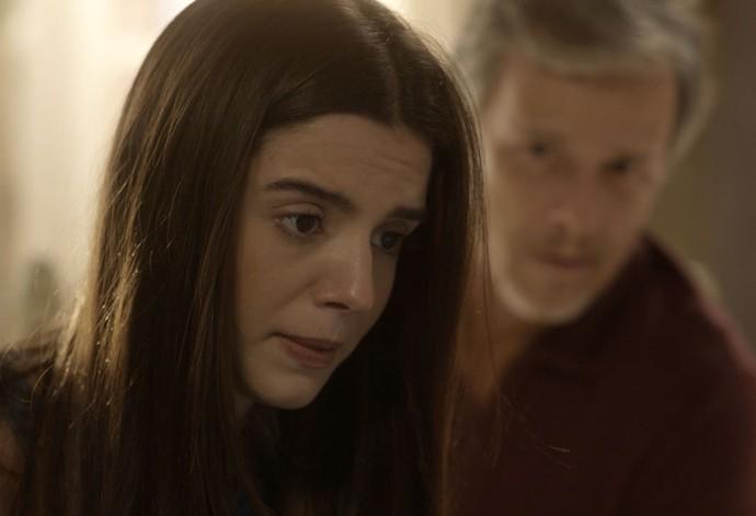 Milena fica chateadíssima com a negativa da mãe (Foto: TV Globo)