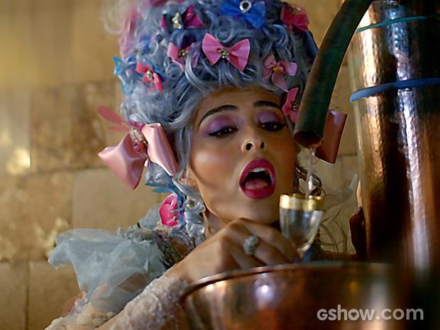 A atriz conta que os tons escolhidos combinam com todas as perucas  (Foto: Meu Pedacinho de Chão/TV Globo)