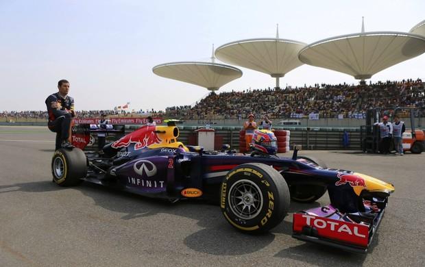 Mark Webber, da RBR, no treino classificatório para o GP da China (Foto: Reuters)