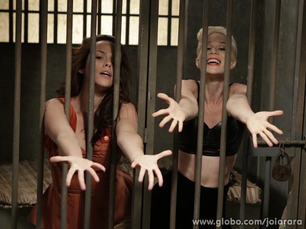 Aurora dá show na cadeia e faz apresentação musical com presas (Foto: Fábio Rocha/TV Globo)