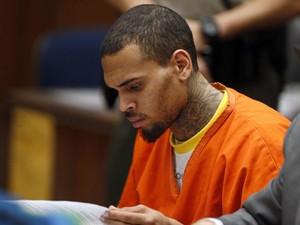 Chris Brown durante audiência em Los Angeles, no dia 17 de março de 2014 (Foto: Reuters/Lucy Nicholson)