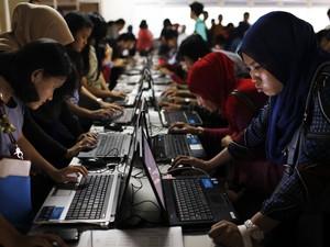 Indonésia investe na qualificação dos jovens (Foto: Beawiharta/Reuters)