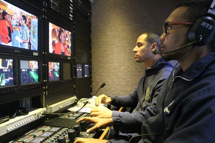 Dilton Santos e Moisés Matos, assistentes de operação (Foto: TV Bahia)