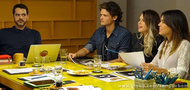 Natan fica chocado com a reação do cliente (Foto: Sangue Bom / TV Globo)