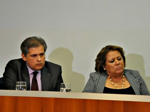 Ex-diretor e reitora deram versões diversas sobre autonomia do HU.  (Foto: Fernando da Mata / G1 MS)