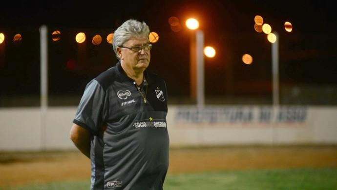 ABC - Geninho, técnico (Foto: Allan Phablo)