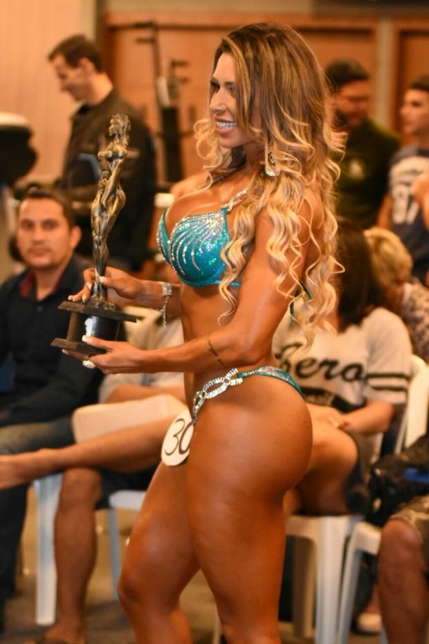 Alessandra Batista vence concirso fitness (Foto: Vagner Souza / MF Models Assessoria )