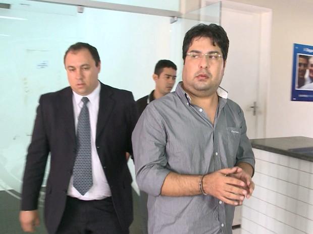Ronnyere Fonseca de Amorim foi preso em São Luís pelo o crime de estelionato (Foto: Reprodução/TV Mirante)