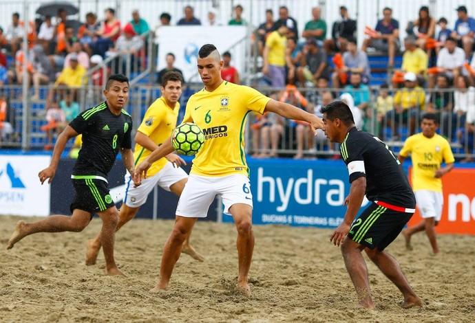 Brasil venceu o México no Mundialito de futebol de areia, em Santos (Foto: Marcello Zambrana/DGW Comunicação)