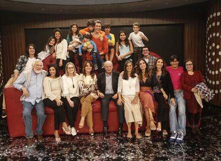 Família de Marcio Garcia faz a festa para encerrar a temporada do 'Tamanho Família'