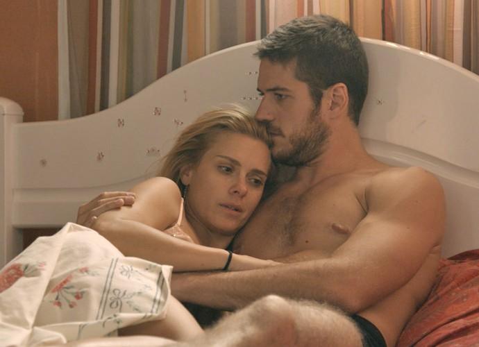 Dante diz que ama Lara e não vai desistir dela (Foto: TV Globo)