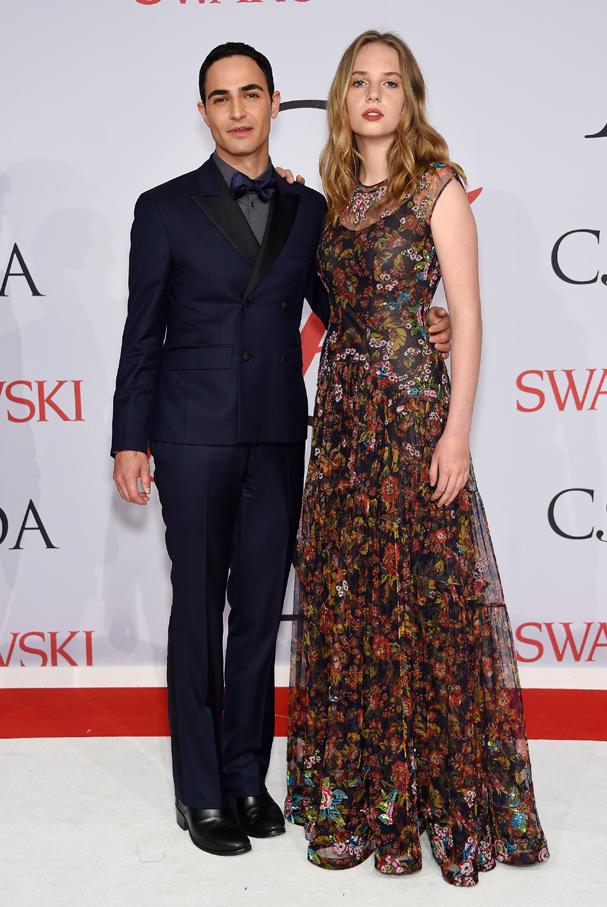 Com Zac Posen, estilista, no CFDA Awards, considerado o Oscar da moda (Foto: Dimitrios Kambouris / Getty Images )