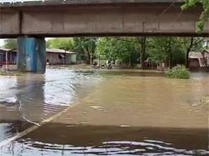 Elevação da água provocou cheia na Região das Ilhas (Foto: RBS TV/ Reprodução)