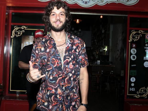 Chay Suede em festa na Zona Oeste do Rio (Foto: Marcello Sá Barretto/ Ag. News)