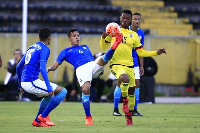 Guilherme Arana Brasil x Colômbia Sul-Americano Sub-20 (Foto: EFE)