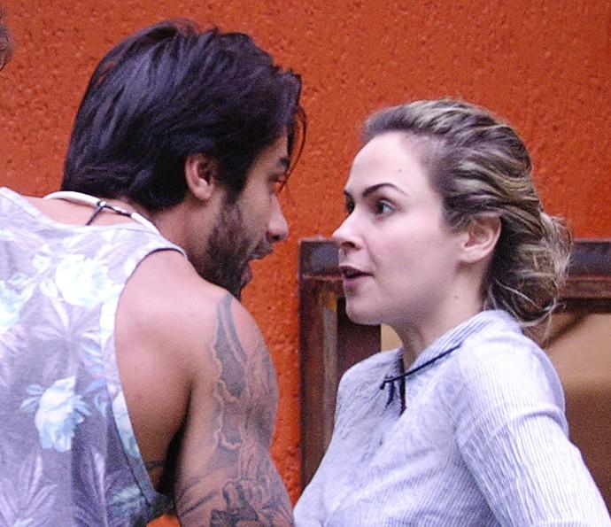 Ana Paula volta Renan Dia na casa  11_2  (Foto: TV Globo)