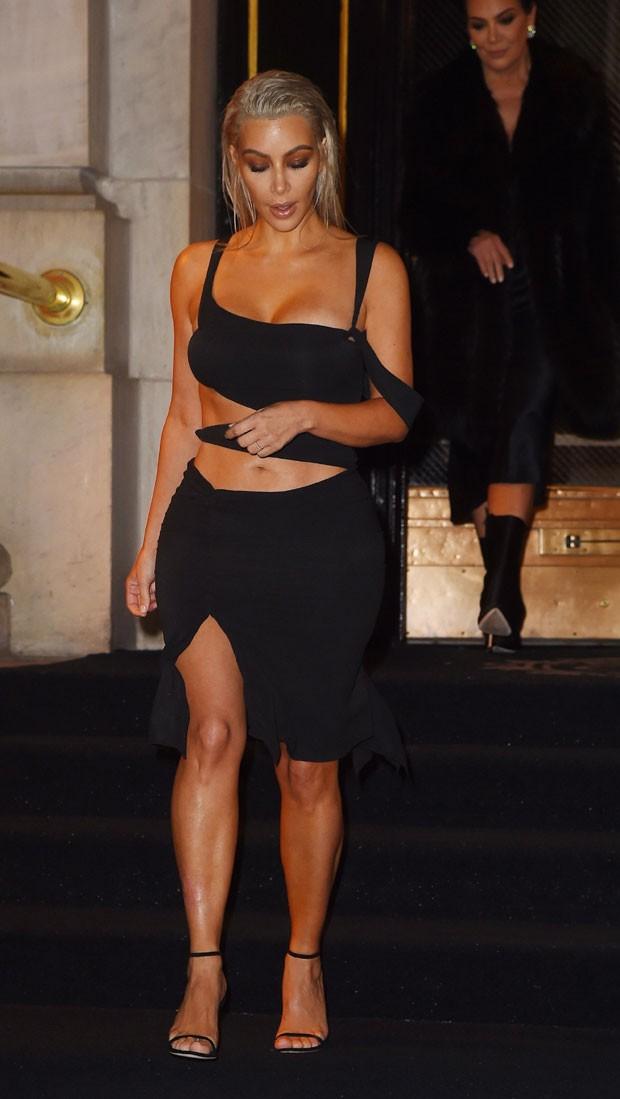 Kim Kardashian e Kris Jenner (Foto: Backgrid)