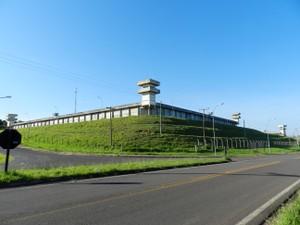 """Penitenciária """"Silvio Yoshihiko Hinohara"""" está localizada na Rodovia Raposo Tavares, km 586, em Presidente Bernades (Foto: Arquivo/G1)"""
