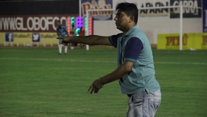 Ivanildo Freitas - técnico do Força e Luz (Foto: Fabiano de Oliveira)